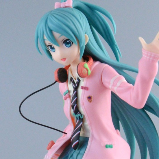 Virtual Singers: Hatsune Miku Future Tone Ribbon Girl Super Premium Figure